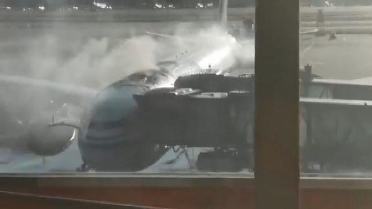 Çin'de yolcu alan uçakta yangın paniği