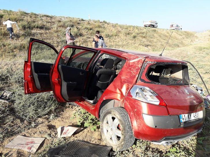 Ankara'da otomobil tarlaya uçtu: 2 yaralı