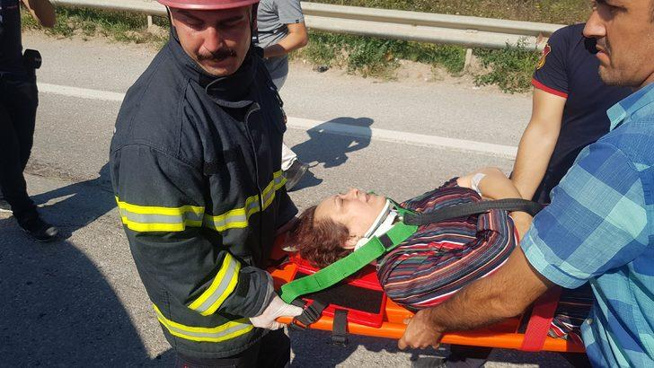 Halk otobüsü, otomobile çarptı: 1 ölü, 3 yaralı