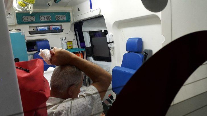 Travestiyi, koltuğun arasına düşürdüğü cep telefonunu çaldığını sandığı için bıçaklamış