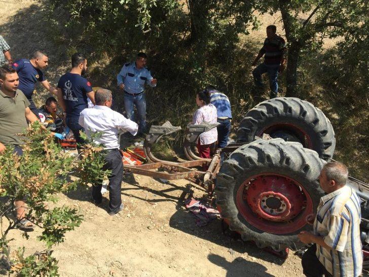 Manisa'da devrilen traktörün altında kalan 15 yaşındaki genç öldü