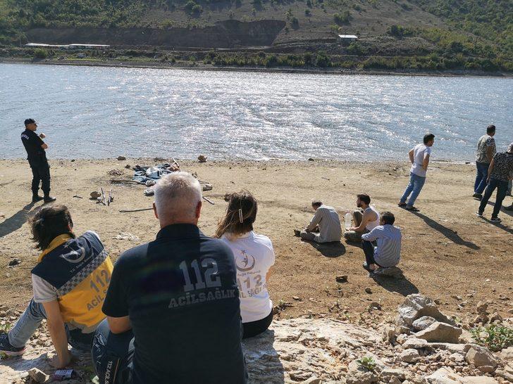 Dedesiyle balık tutmaya giden Halil, düştüğü barajda kayboldu