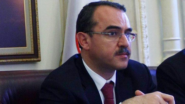 Sadullah Ergin: AKP'de 'yeni parti' istifalarına eski Adalet Bakanı da eklendi