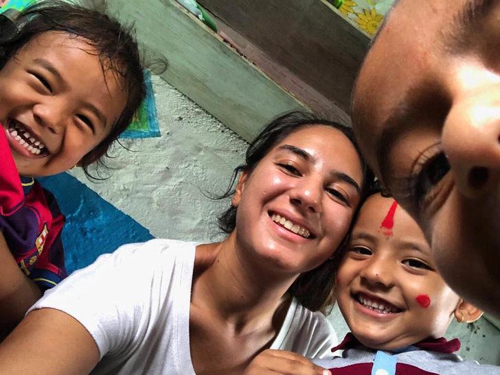 Hayalinin peşinden gitti, Nepal'de öğretmenlik yaptı