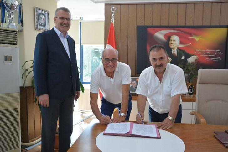 Cinoğlu Karacabey Belediyespor yönetimine katıldı