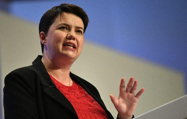 İskoç Muhafazakar Parti lideri Davidson istifa etti