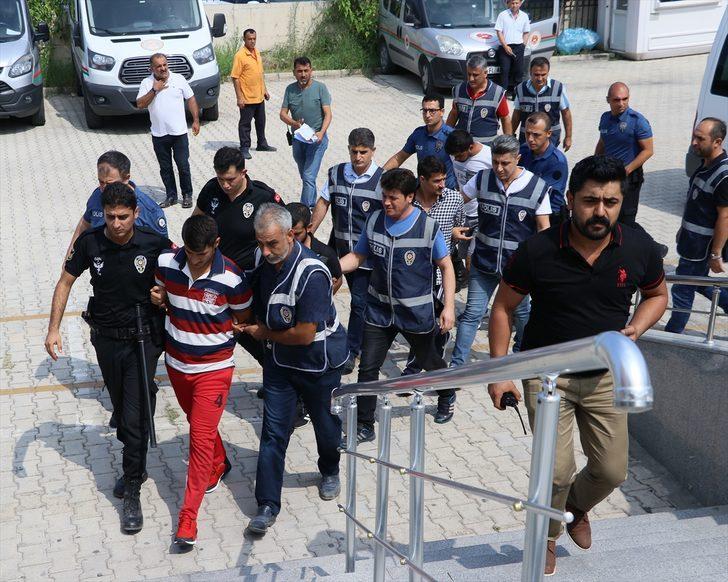 GÜNCELLEME - Polise karşı koyan firari hükümlünün yakınları arbedeye neden oldu