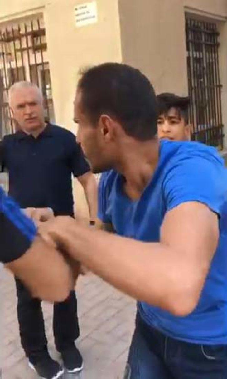 Kız çocuğunu taciz ettiği iddia edilen genci polise teslim ettiler