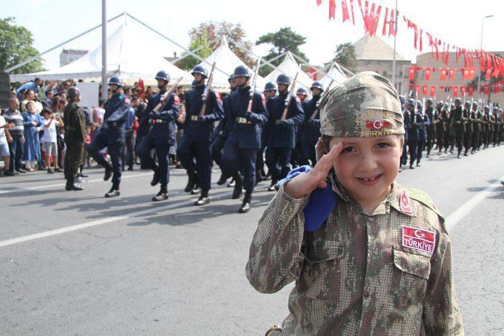 Kayseri'de, Zafer Bayramı coşkuyla kutlandı