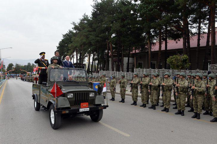 Erzurum'da Zafer Bayramı kutlandı