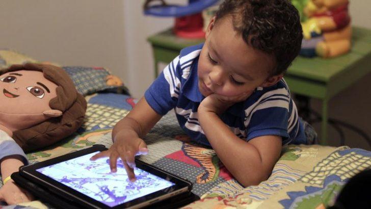 İnternet Bağımlılığına Karşı Ailelerin Sorumluluğu Büyük