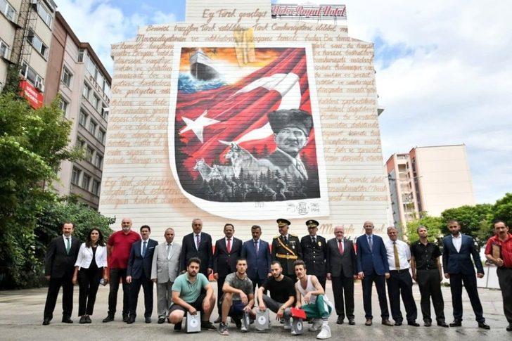 42 metrelik Atatürklü mural çalışması beğeni topladı