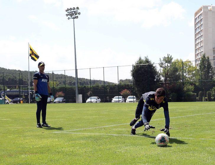 Fenerbahçe'de Trabzonspor maçı hazırlıklarını sürdürdü