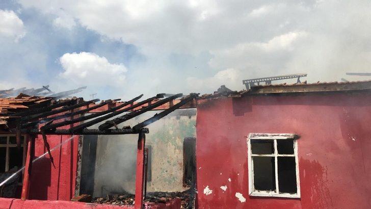 Konya'da ev yangını