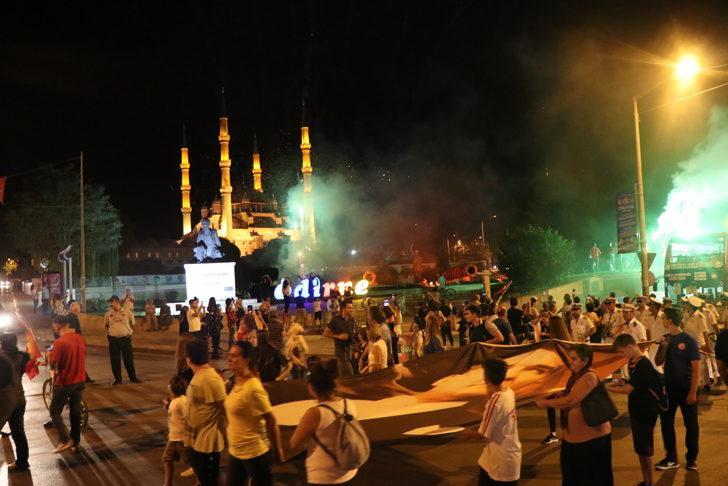 Edirne ve Tekirdağ'da fener alayı yürüyüşü