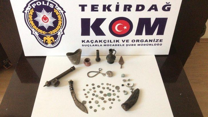 Tarihi eser ve sikkelerle yakalanan kadınlar gözaltına alındı