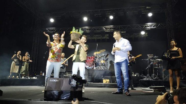 22. Altın Güvercin'de meydan konserleri başladı
