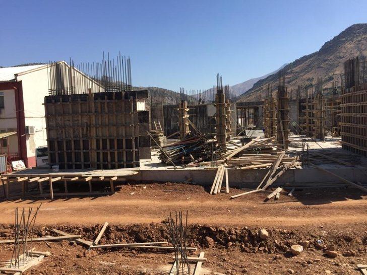 Sason Devlet Hastanesi inşaatı hızla devam ediyor