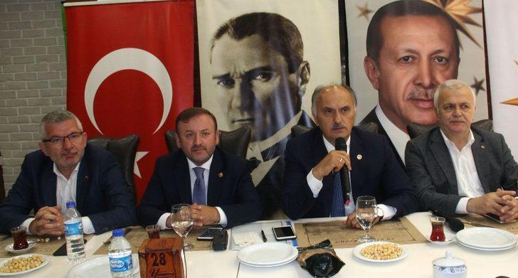 AK Parti Giresun Milletvekilleri basınla buluştu