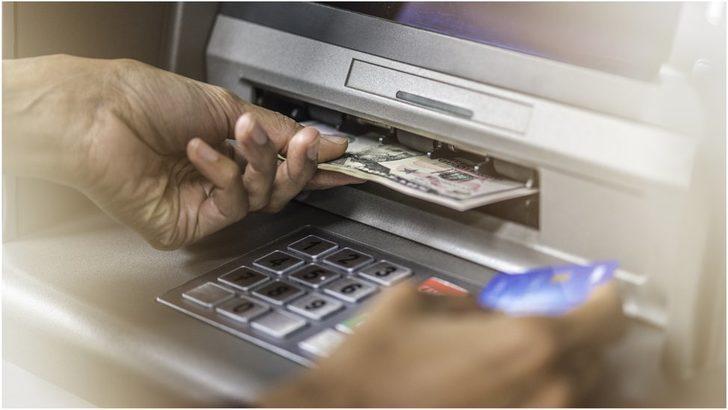 Bankanın hesaplarına yanlışlıkla yatırdığı 120 bin doların tamamına yakınını harcayan çift hırsızlıkla yargılanıyor