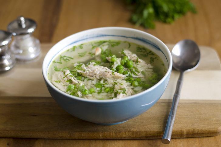 Günün tarifi: Taze biberiyeli tavuk çorbası