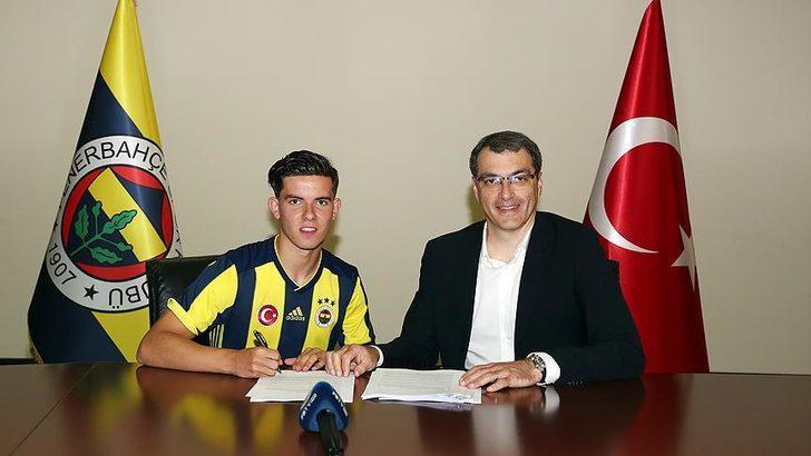 Ferdi Kadıoğlu'ndan itiraf: Fenerbahçe'den ayrılmayı düşündüm