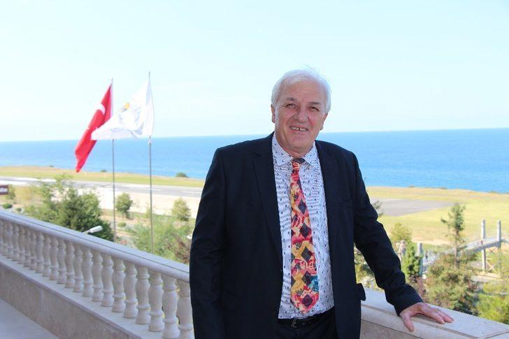 Prof. Dr. Adnan Erkuş Avrasya Üniversitesi ailesine katıldı
