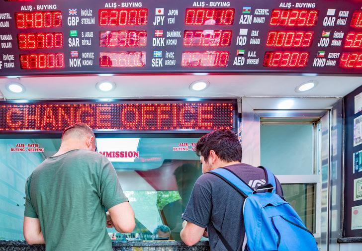 Arjantin ekonomik krizin derinleştiği bir ortamda yeni kur kontrolleri açıkladı