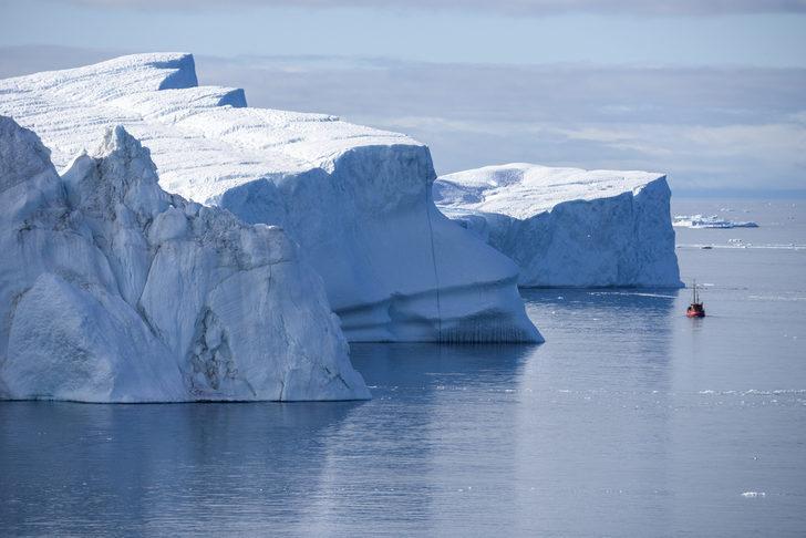 Kopan buzul kütlesi can aldı: 1 ölü, 2 kayıp