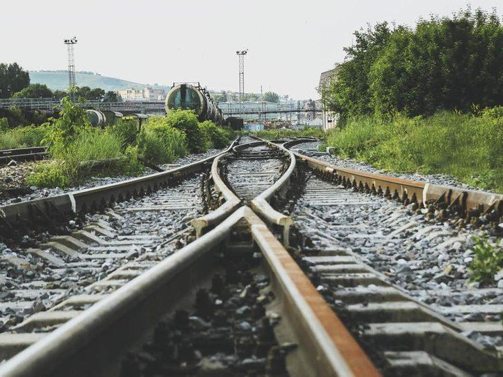 Tren raydan çıktı: 50 kişi öldü