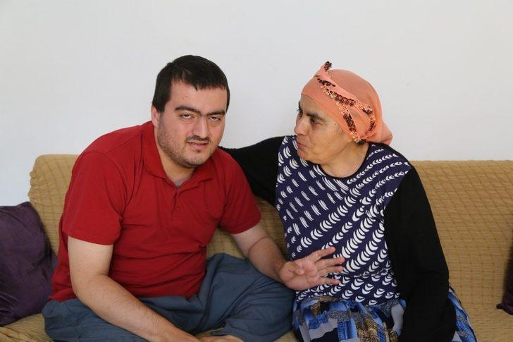 3 aydır diş ağrısı çeken engeli Tayfun için Sağlık Bakanlığı devreye girdi