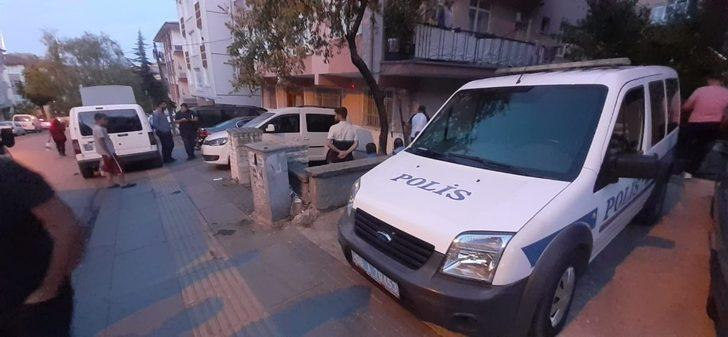 Ankara'da kokular gelen dairede erkek cesedi bulundu