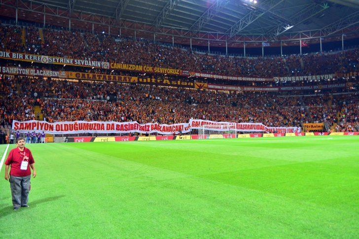 Galatasaray taraftarı, Kasımpaşa maçında 3 dakika sessiz kalıp TFF'yi protesto etti