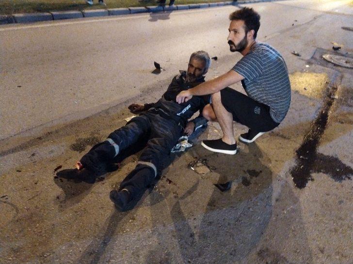 Refüjü aşan motosiklet otomobile çarptı: Sürücüsünün ayak bileği koptu
