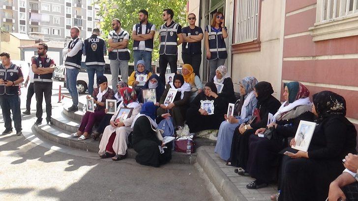 Taraftar gruplarından Diyarbakır'daki annelere ortak destek