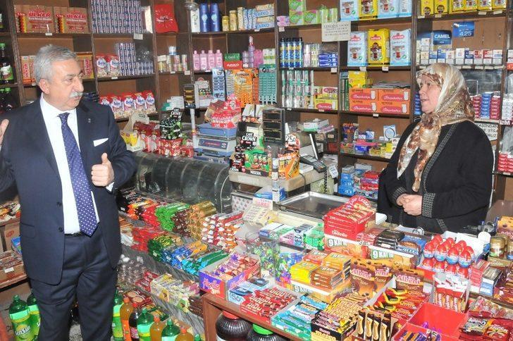 Palandöken: AVM ve zincir marketler esnafı zorluyor