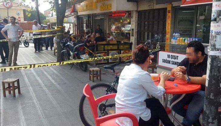 Sokakta iki kişi vuruldu, onlar ise börek yemeye devam etti