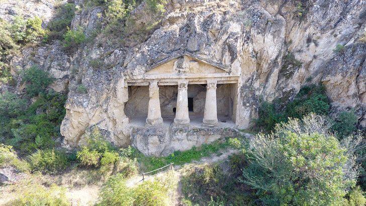 Sinop'un sır gibi saklı kalan tarihi mekanı: Boyabat Kaya Mezarları