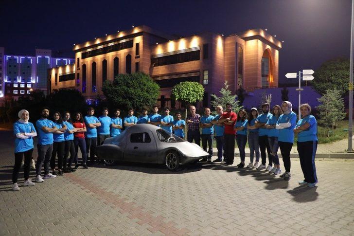 """Bartın Üniversitesi'nin ikinci elektrikli otomobili """"Gökbörü"""" pistlerde"""
