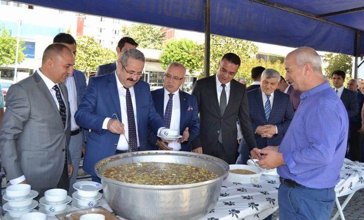 Salihli'de 5 bin kişilik aşure hayrı