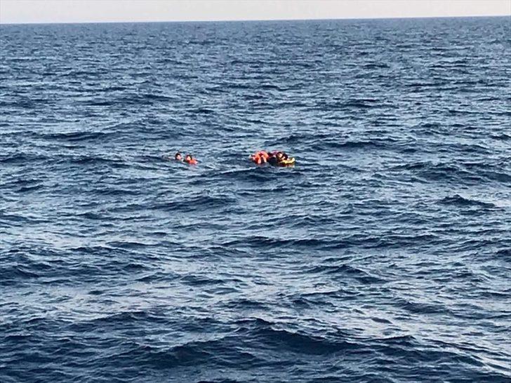 Son dakika: Bodrum açıklarında kaçak göçmenleri taşıyan bot battı! Kayıp bebek aranıyor