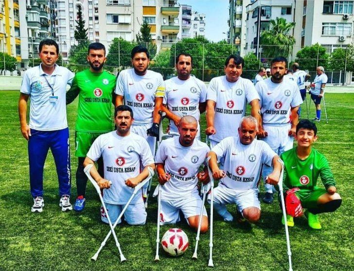 Dünya Barış Günü'nde tarihi Taşköprü'de futbol müsabakası