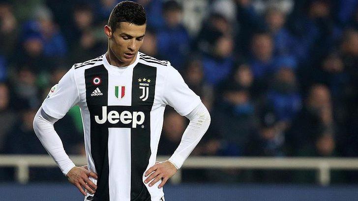 Cristiano Ronaldo'nun koronavirüs testi bir kez daha pozitif çıktı