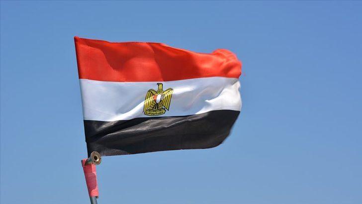 Mısır'da hareketli gece! Büyük kentlerde eylemler
