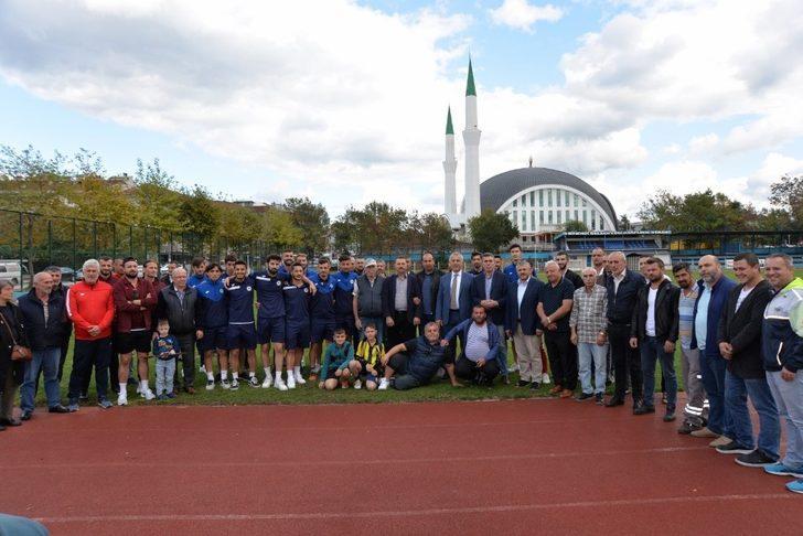 Başkan Babaoğlu, Hendeksporlu futbolcuları uğurladı