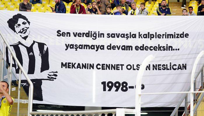 Fenerbahçe Neslican Tay pankartıyla sahaya çıktı