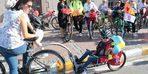 Süslü Kadınlar bisikletle şehir turu attı