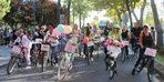 'Süslü Kadınlar' süslü bisikletleriyle caddelerde