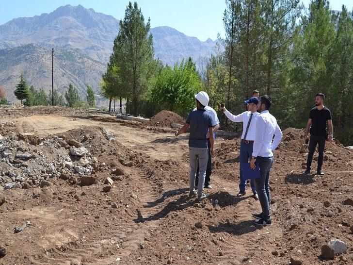 Sason'da futbol sahası yapım çalışmalarına başlandı
