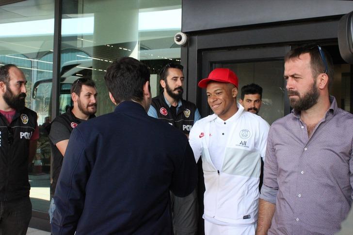 Galatasaray'ın rakibi Paris Saint-Germain İstanbul'a geldi